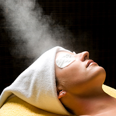 Cold vapour or hot steam for your facial skin care regime?